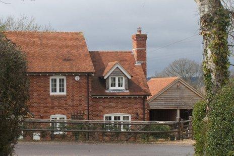 1902S bungalow x 34 zoom