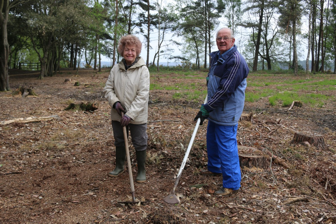 Audrey and Bill Clark volunteering at Avon Tyrell Scrub Bash in May 2017