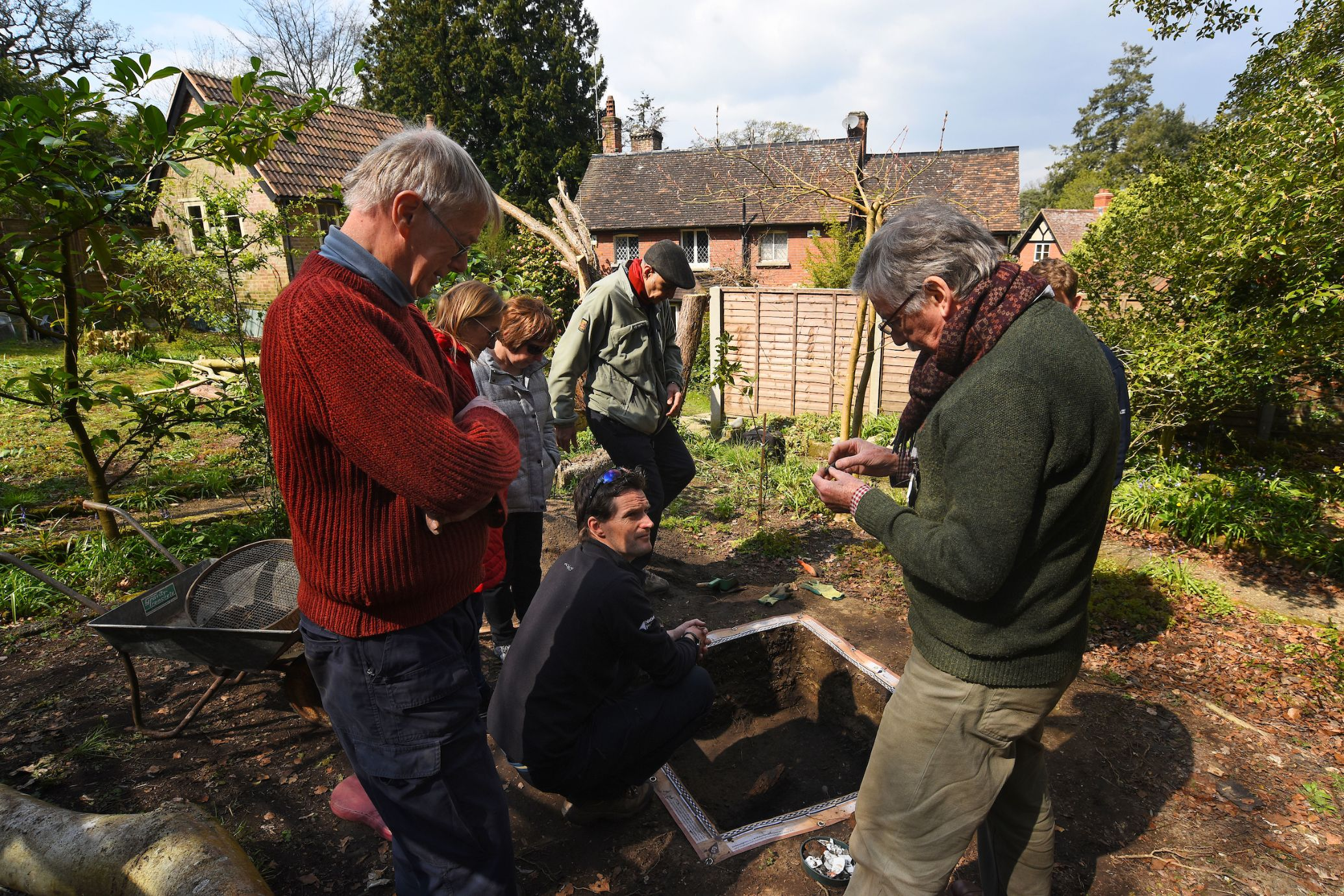 Dig Burley test pit with experts