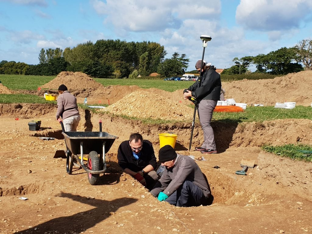 Archaeology volunteers excavating near Beaulieu in 2018